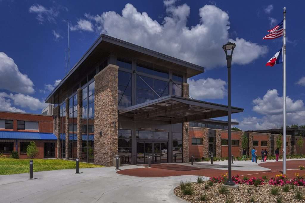 Lakes Regional Hospital